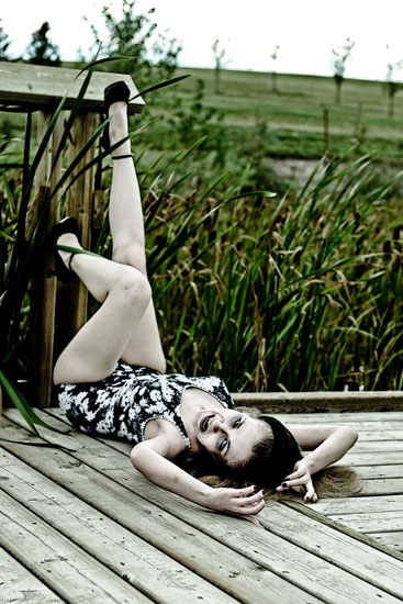 autor: Tanya Plonka título: Meaghan | Classy swamp pinup
